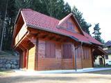 Brunarica iz masivnega lesa. Primerna za vikend ali stanovanjski objekt.