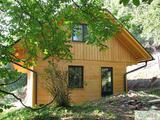 Brunarice, drugače imenovane tudi bungalovi, lesene vikend hišice oz. počitniške hišice, so neodvisno od časa vedno aktualne.