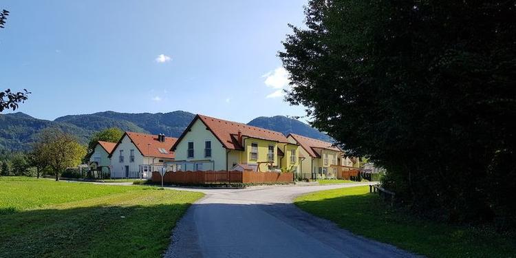 Vrstne stanovanjske hiše