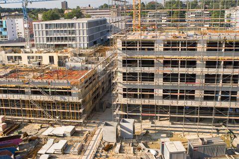 Vrednost opravljenih gradbenih del za 5,4 % višja kot v prejšnjem mesecu in za 31,1 % nižja kot pred enim letom