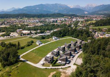 Prodaja komunalno opremljenih parcel Perovo, Kamnik