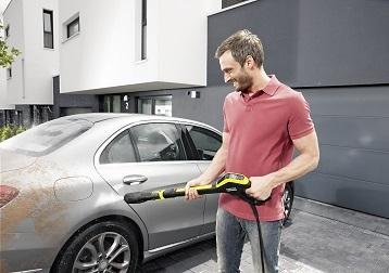 Visok pritisk proti trdovratni umazaniji: Nasveti za pranje avtomobilov po koncu zime