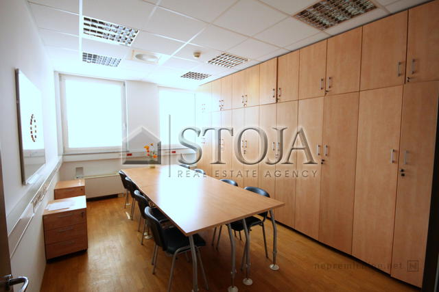 Business premise for rent - NADGORICA
