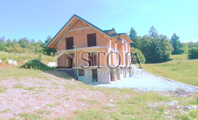 House for Sale - SELO PRI MORAVČAH