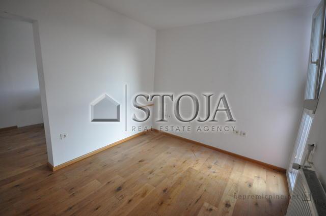 prodamo-dvosobno-stanovanje-šiška