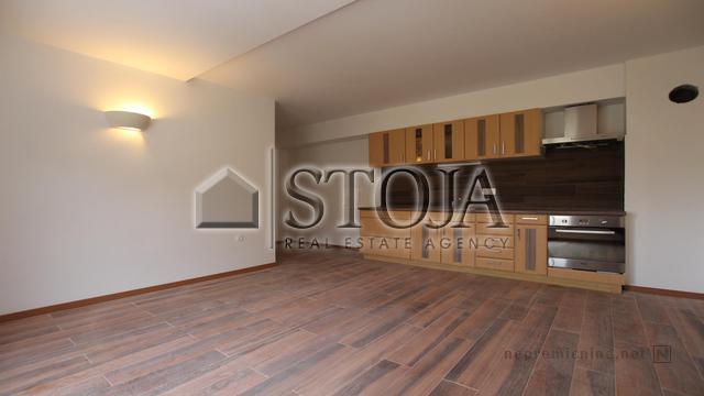 Apartment  - VRHNIKA