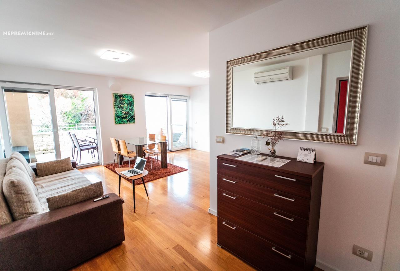 Prodaja, stanovanje - CRVENI VRH, RIVA 1