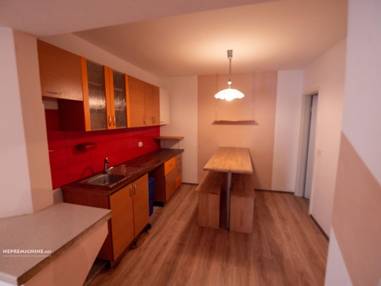 Prodaja, stanovanje - KAMNIK POD KRIMOM 1