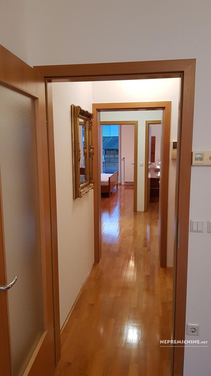 Prodaja, stanovanje - LJ. VIČ, NOVA GRBINA 1