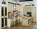 Barvanje lesenih kuhinjskih omaric